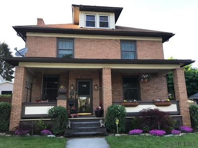 Single Family Home For Sale: 318 W Catherine St