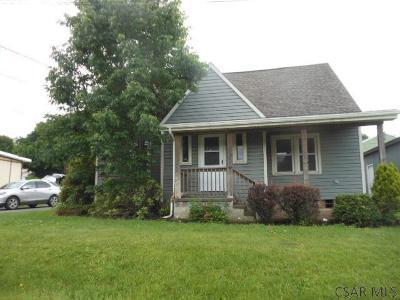 Single Family Home For Sale: 437 Lambert Street