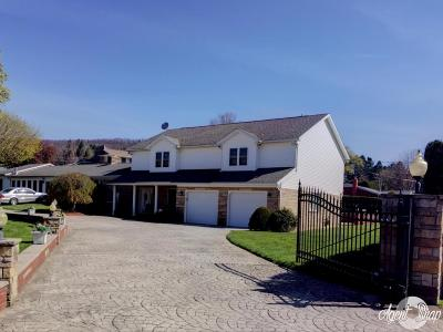 Berwick PA Single Family Home For Sale: $308,000