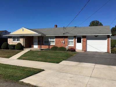 Berwick PA Single Family Home For Sale: $129,900