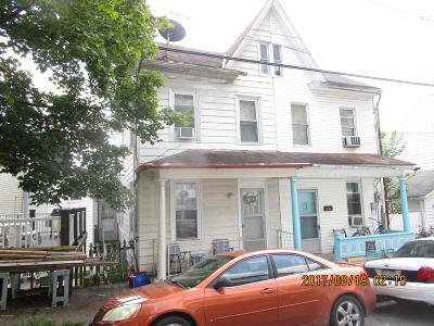 Single Family Home For Sale: 218 E Cameron St
