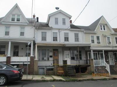 Single Family Home For Sale: 210 E 7th Street