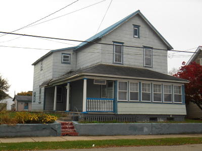 Single Family Home For Sale: 224 E. 14th. St.