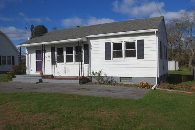 Bloomsburg PA Single Family Home For Sale: $109,900