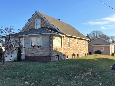Single Family Home For Sale: 400 South Mercer Street