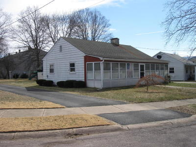 Berwick PA Single Family Home For Sale: $67,000