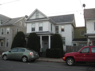 Single Family Home For Sale: 130 S 6th Street