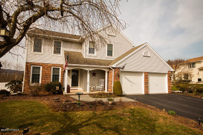 Bloomsburg Single Family Home For Sale: 3 Bridle Walk
