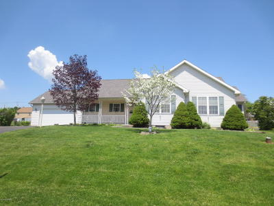 Bloomsburg PA Single Family Home Active Contingent: $225,000