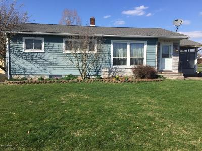 Single Family Home For Sale: 1065 Pine Street