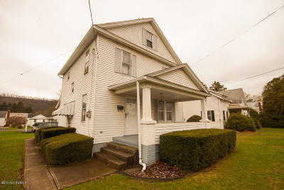Bloomsburg PA Single Family Home For Sale: $142,000