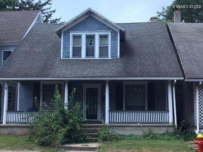 Single Family Home For Sale: 324 S Market Street