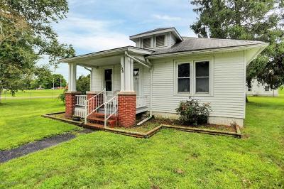 Single Family Home For Sale: 105 Market Street
