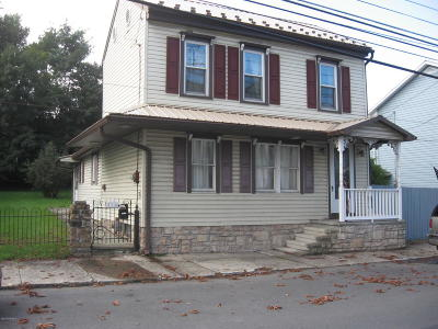 Single Family Home For Sale: 138 W Mahoning Street