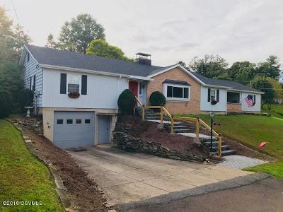 Bloomsburg Single Family Home For Sale: 280 Oak Lane