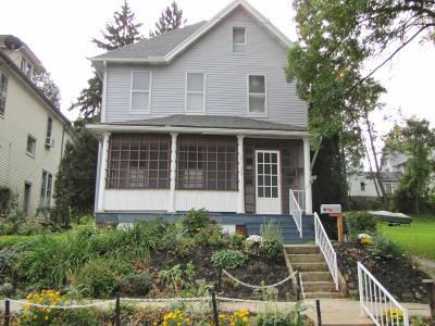 Single Family Home For Sale: 330 Vine Street
