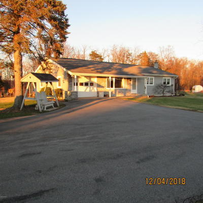 Single Family Home For Sale: 113 Airport Road
