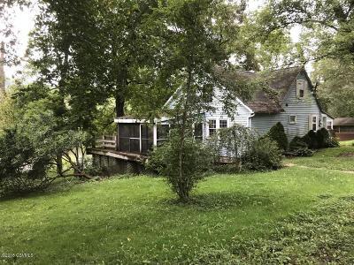Single Family Home For Sale: 86 Cinder Lane