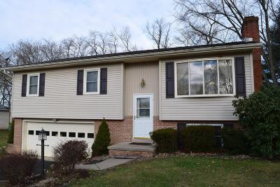 Watsontown PA Single Family Home Active Contingent: $199,000