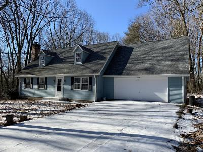 Single Family Home For Sale: 22 Woodland Acres Lane