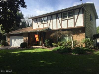 Bloomsburg PA Single Family Home Active Contingent: $264,900