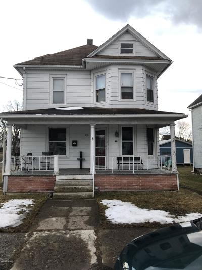 Single Family Home Active Contingent: 424 E 8th Street