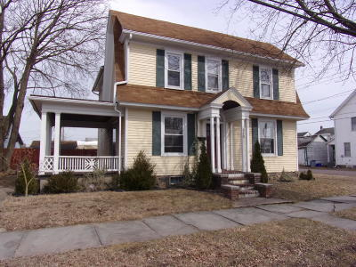 Single Family Home Active Contingent: 510 Chestnut Street