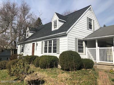 Bloomsburg PA Single Family Home Active Contingent: $139,900
