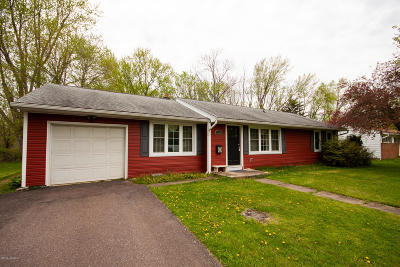 Bloomsburg Single Family Home For Sale: 190 Clifton Drive