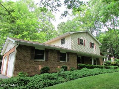 Berwick Single Family Home For Sale: 46 Woodland Acres Lane