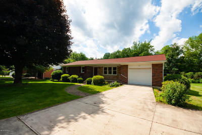 Single Family Home For Sale: 20 Willow Lane