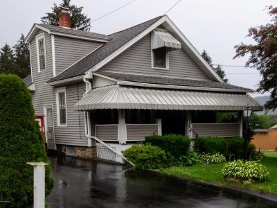 Berwick Single Family Home For Sale: 4019 N Market Street