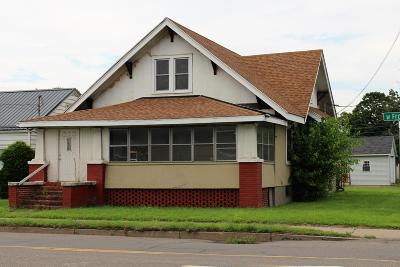Single Family Home For Sale: 1701 W Front Street