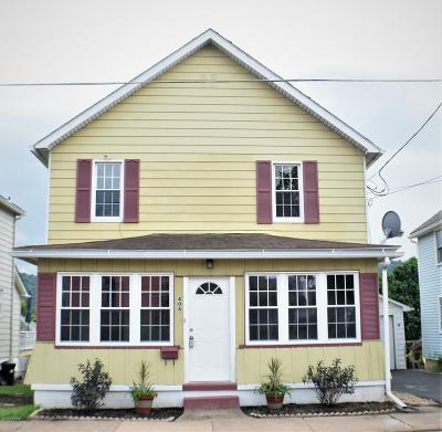 Bloomsburg PA Single Family Home For Sale: $138,900