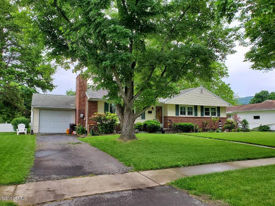 Bloomsburg PA Single Family Home For Sale: $174,900