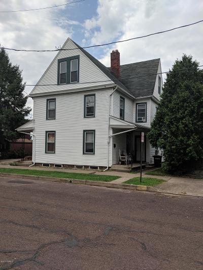 Multi Family Home Active Contingent: 320-322 Leonard Street