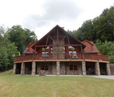 Cameron County Single Family Home For Sale: 89 Bucktail Trail