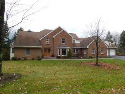 Elk County Single Family Home For Sale: 120 Thunder Rd