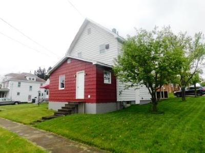 Elk County Single Family Home For Sale: 61 Dippold Ave