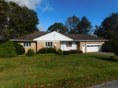 Elk County Single Family Home For Sale: 604 Sunset Rd