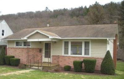 Elk County Single Family Home For Sale: 36 Powers Ave