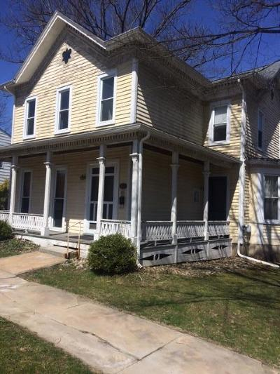 Single Family Home For Sale: 339 Center St
