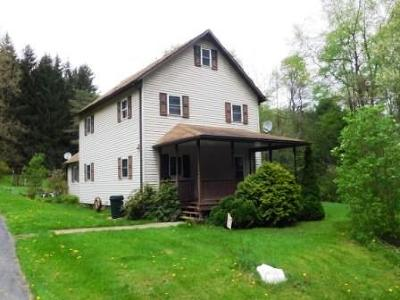 Elk County Single Family Home For Sale: 130 W Theresia Rd