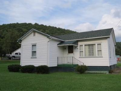 Elk County Single Family Home For Sale: 212 Apple St