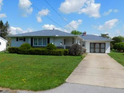 Elk County Single Family Home For Sale: 139 Laurel Ln