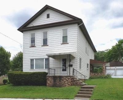Single Family Home For Sale: 39904 State St