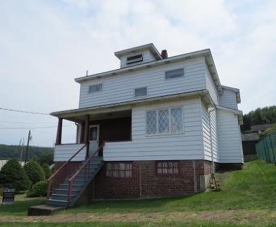Johnsonburg Single Family Home For Sale: 300 Shawmut Ave