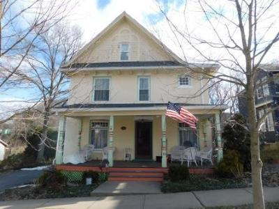 Elk County Single Family Home For Sale: 111 East Ave