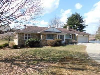 Elk County Single Family Home For Sale: 644 Vine Rd