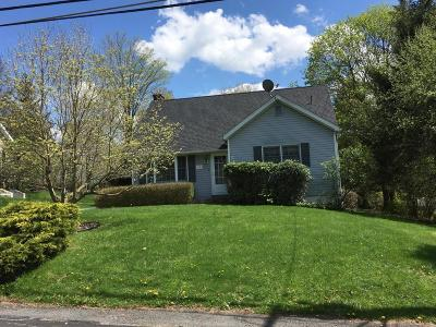 Dalton PA Single Family Home For Sale: $199,000